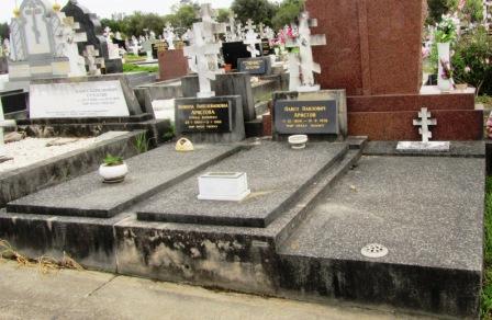 На кладбище Руквуд